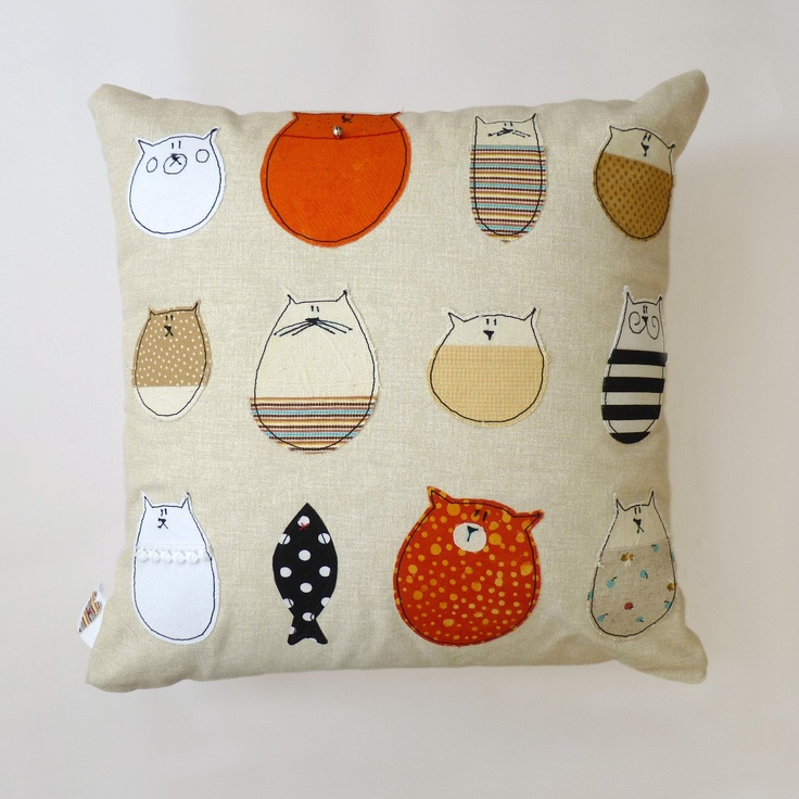 Cat Pillow : Stella And Friends Cushion.. Appliqued cat image $40