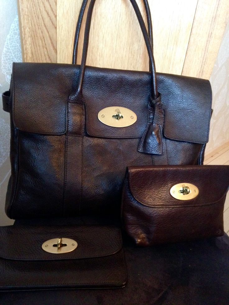 Mulberry Bayswater in chocolate brown Darwin leather, long locked purse and locked cosmetic purse.