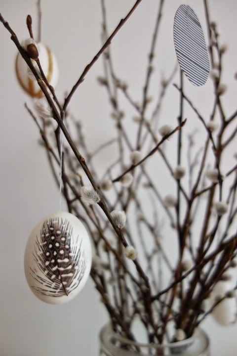 DecoDreamer's Diary: Pääsiäismunat, Easter eggs, feathers, glue, sulat, liima