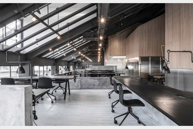 Flamingo Shanghai Offices | roof space extension | industrial work space with a steel structure on a concrete platform | designed by Neri&Hu Design and Research Office  #interior_design #industrial #ek_magazine