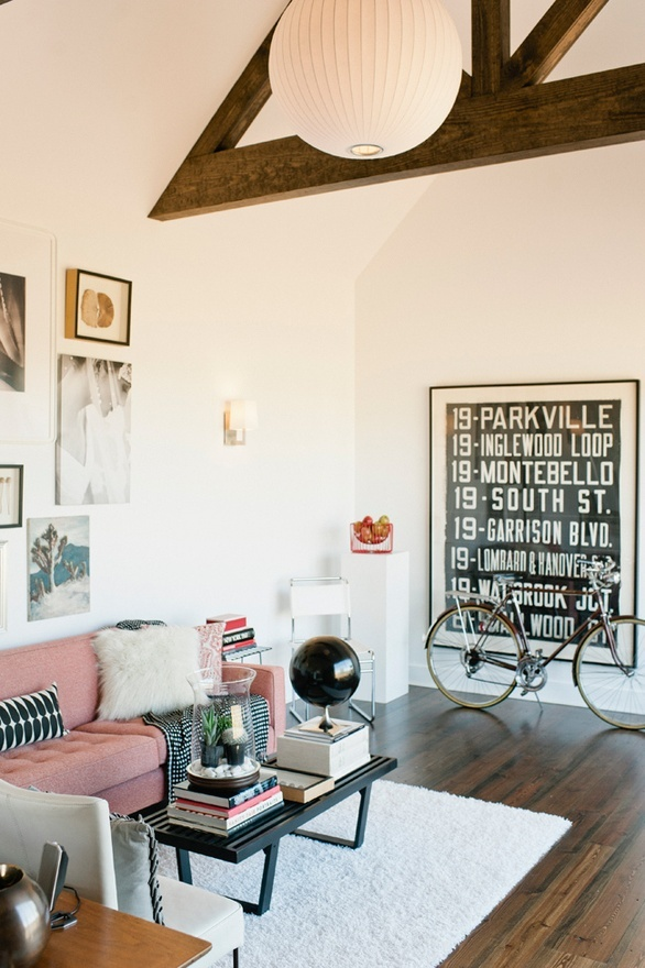 decor: Decor, Spaces, Living Rooms, Expo Beams, Pink Sofas, Pink Couch, Interiors Design, High Ceilings, White Wall