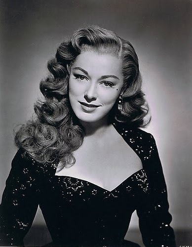 40s Hollywood Hairstyle  Vintage Lady's Hairstyle. Anyone know who this is? Hint: She's in Sound of Music.