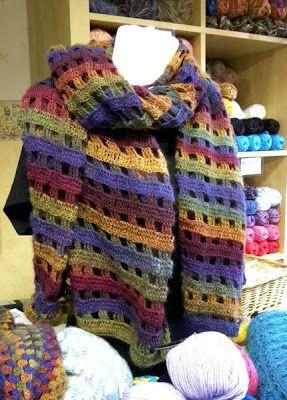 Blij dat ik brei: Sjaal van dubbele stokjes, #haken, gratis patroon, Nederlands, Noro, Invicta, Fenna