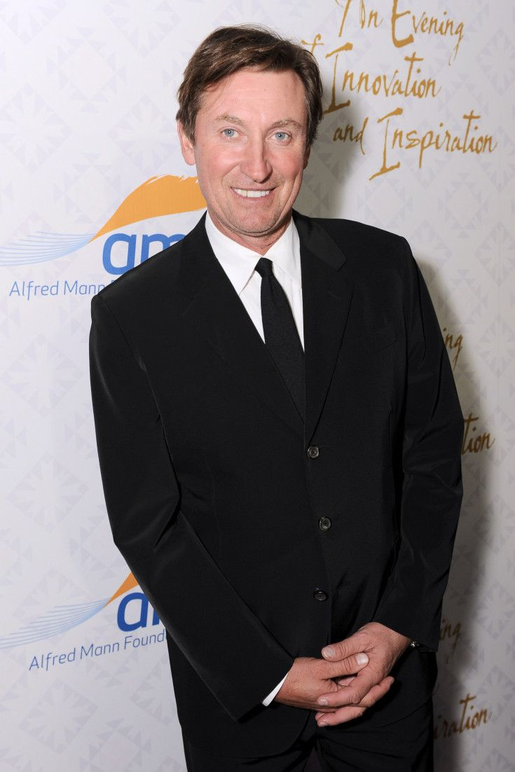 wayne gretzky the great one essay Wayne gretzky, in full wayne douglas gretzky, byname the great one, (born january 26, 1961, brantford, ontario, canada), canadian ice-hockey player who was considered by many to be the greatest player in the history of the national hockey league (nhl.