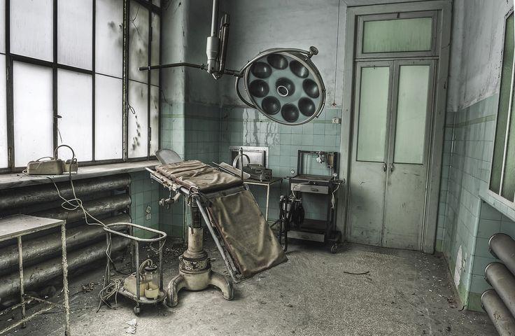 PHOTOS. Les asiles psychiatriques abandonnés photographiés par Dan Marbaix, de parfaits décors de films d'horreur