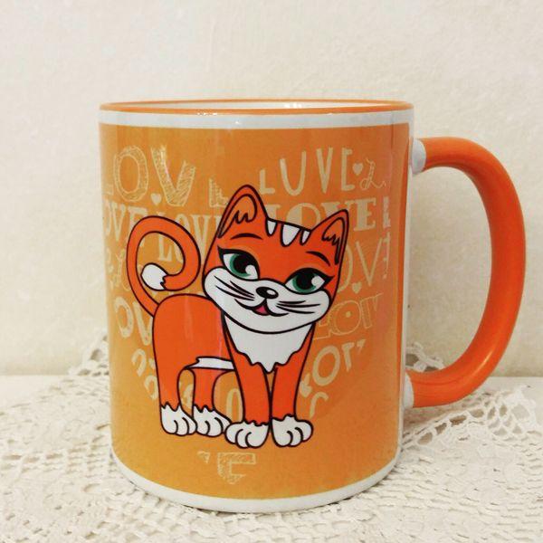 Cica narancssárga bögrén. Love cat orange mug.