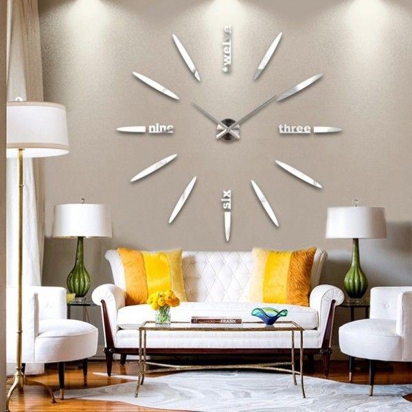 Фотографии интерьеров квартир и домов: Крупные настенные часы в интерьере (12 фото)