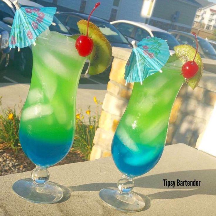 ELECTRIC HURRICANE Peach Schnapps Blue Curacao Welchs Watermelon Juice Light Rum Dark Rum Lime Juice #contest
