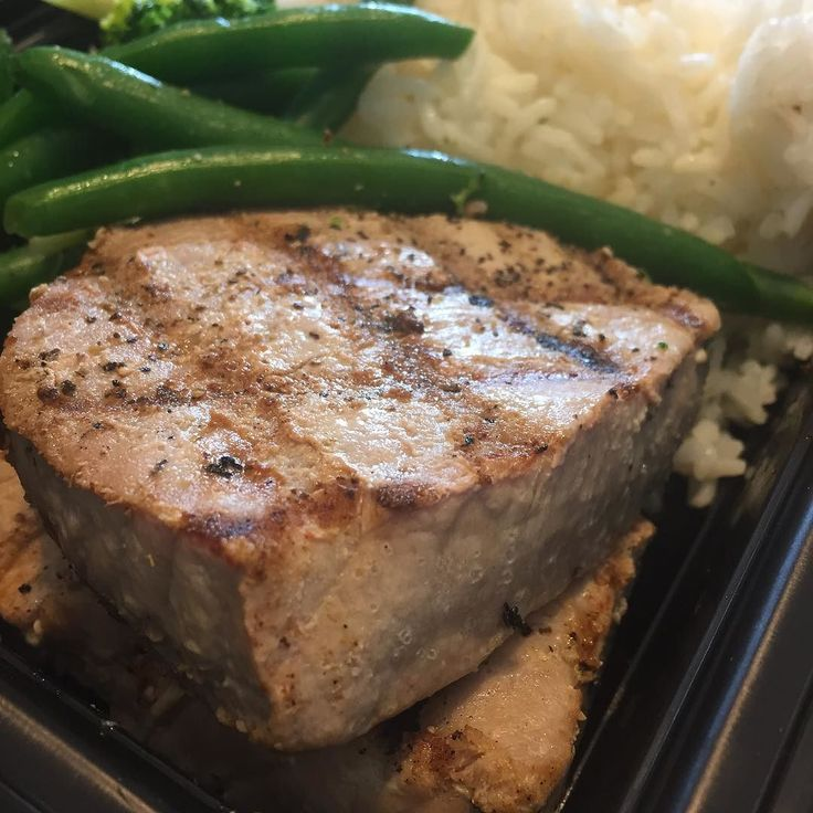 Oh this? Wait what?? Your meal prep company doesn't sell 8oz. Albacore Tuna steak meals for less than a meal at Burger King? That's a shame. @McMuscles_ DOES. #newjersey #aestheticsarmy #mealprepsunday #mealprepmonday #mealprep #crunchfitness #clubmetrousa #chupitos #46lounge #pacha #powerhousegym #aestheticsarmy #bronx10m #bodybuilding #bodybuildingcom #tunneltotowers #tao #eatcleantraindirty #physiquefreak #girlswhosquat #girlswithmuscle #girlswholift #bootyfordays by physiquefreak