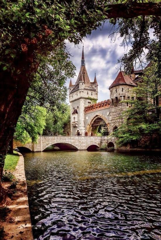 El castillo de Vajdahunyad, Budapest, Hungría