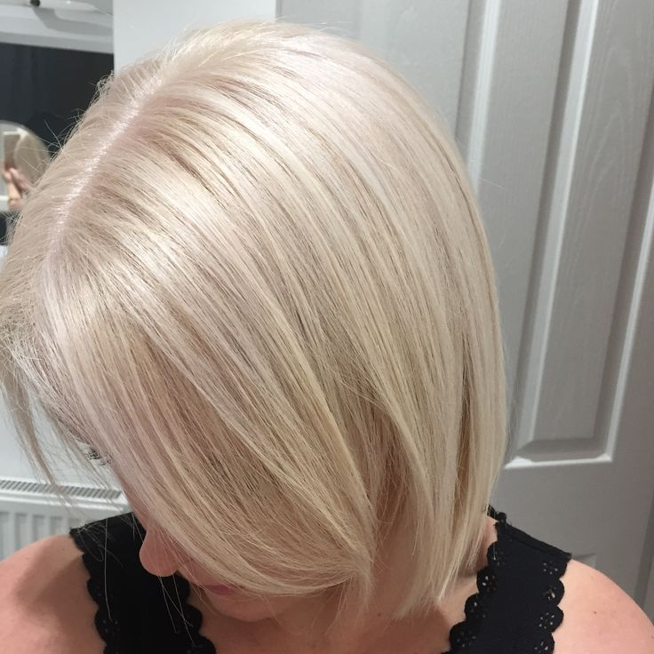 Fresh White blonde with toners, using smartbond by L'Oréal. Stylist - Jill Gregg @ Hair Haus Bishop Auckland #blonde #hair #whiteblonde #smartbond #hairhaus #bluntbob #shortbob #loreal