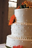 Wedding Cakes Gallery - Page 17 : Editors Pick : White/ivory : Round Or Oval : Brides