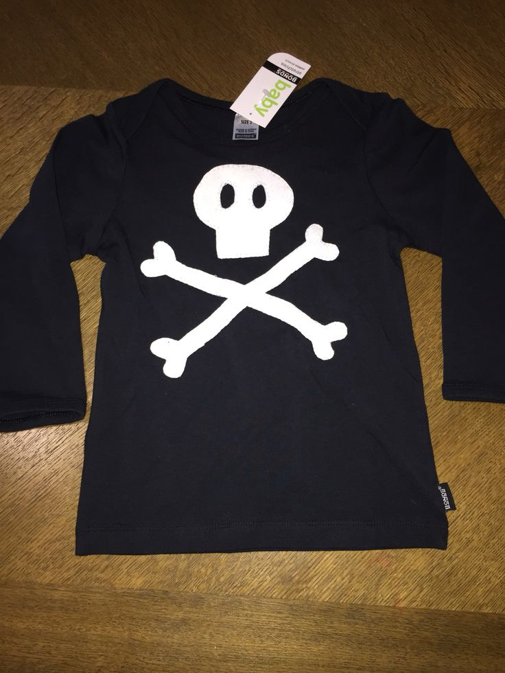 Skull and Bones Pirate appliqué - kids clothes