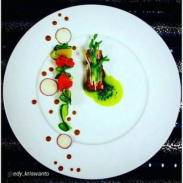 "#foodphotography #f52grams #food #foodporn #gourmet #instagramfood #chef #foodart #lovefood #artofplating #instafood #yummy #foodpic #photooftheday #instagourmet #dinner #foodvsco #dessert #delicious #taste #art #eat #gastronomy #love #foodie #cook #cooking #foodgasm #culinaryart By @edy_kriswanto ""Short rib steak / veggies / pistau / red radish / red wine emultion / snow pea sprout."""