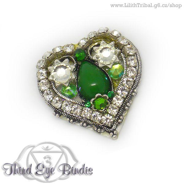 Valentine I – tribal bindi (green) To purchase, visit my online store. #tribalbindi #americantribalstyle #tribalstyle #tribalfusion #tribalbellydance