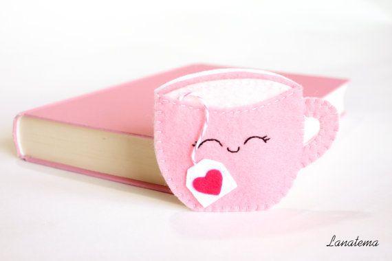 Hoi! Ik heb een geweldige listing gevonden op Etsy https://www.etsy.com/nl/listing/224063162/pink-cup-with-tea-bag-corner-felt