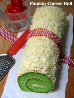 Just My Ordinary Kitchen...: PANDAN CHEESE ROLL