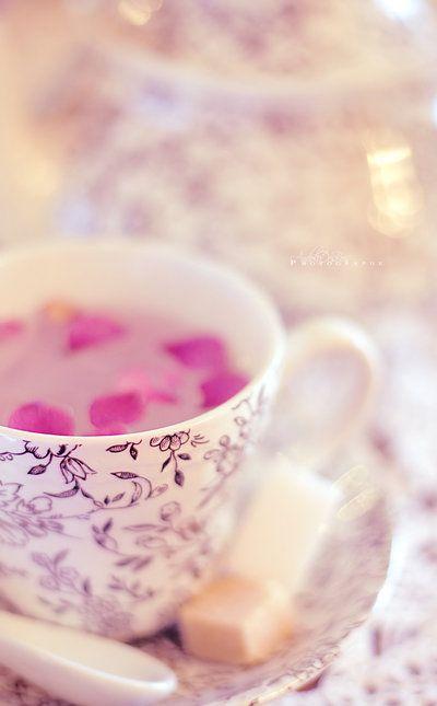 .: Teas Time, Teas Cups, Rose Teas, Flowers Teas, Pink Petals, Art Flowers, Teas Rose, Rose Petals, Teas Parties