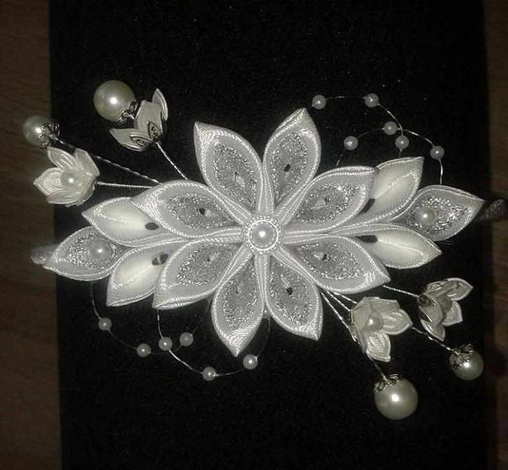 #kanzashi #handmade #art #diy #artist #hobby #hobbys #flowers #kanzashiflower…