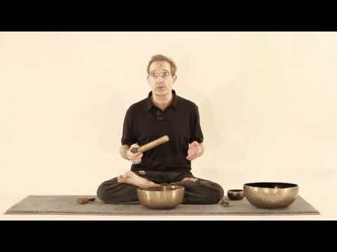 Méditation yoga. Comment le natha-yoga utilise un bol pour méditer. Part 1. - YouTube