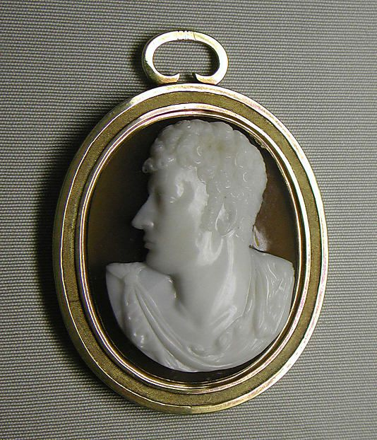 Cameo pendant of George Gordon, Lord Byron ca.1820, Italian. Sardonyx and gold - in the Metropolitan Museum of Art costume collections.
