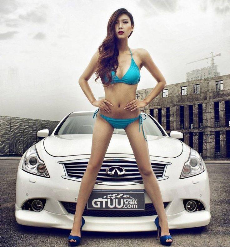 http://www.z-car.com/blog/wp-content/uploads/2012/01/girl-in-bikini-with-infiniti-g.jpg