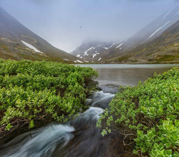 Горные озера. Хибины. Кольский полуостров. Россия