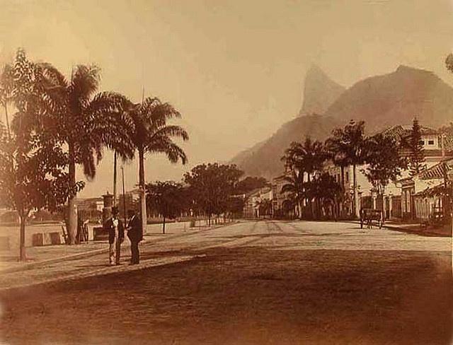 Praia de Botafogo em 1875 by andrepcgeo, via Flickr