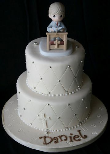 Communion Cake Off White for a Boy