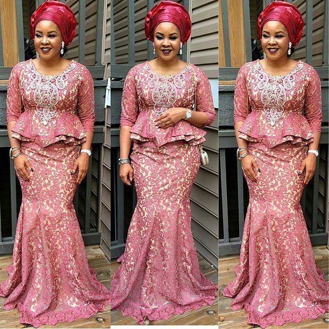 https://i.pinimg.com/736x/6a/21/61/6a2161fae191369b7da3b0b9acf7861b--african-attire-african-wear.jpg