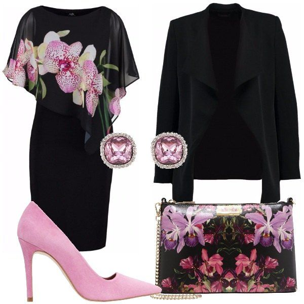 Tubino nero corto con scollo tondo e stampa floreale, blazer nero maniche lunghe, décolleté rosa effetto scamosciato con tacco a spillo, pochette con stampa floreale e catenella dorata, orecchini con pietra rosa.