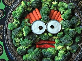Monster Head Veggie Platter, I wonder if this could make kids eat veggies?