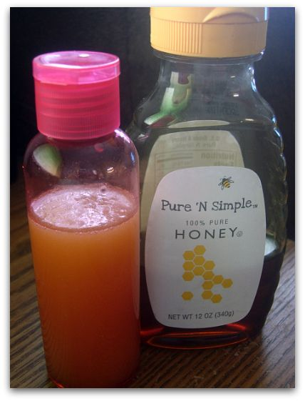 DIY Lemon & Honey Facial! Add equal parts fresh lemon juice, pure olive oil and honey to a clean snap top bottle. Shake to combine. The mixture will separate over time so shake well before using.