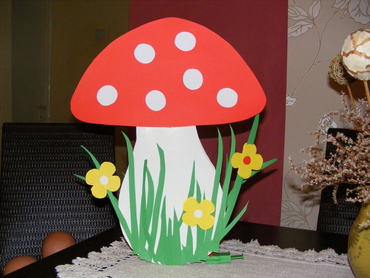 Nagyon szép gombát találtam egy folyóiratban ,őszi dekorként elkészitettem a csoportszobába!      folyóiratban        saját       sablon    ...