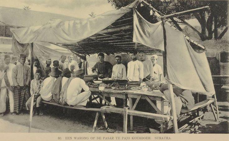 """""""Lapau Nasi"""" di Pasar Payakumbuh, ca.1911 [Jean Demmeni - GVNL]"""