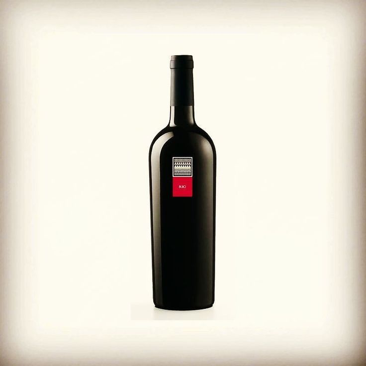 "Fear of the dark??? ""Buio"" an exclusive line by MESA winery. 100% Carignano de Sulcis grapes. Serving suggestion: Grilled Tuna grilled red meat fresh sardinian Fiore Pecorino cheese Find it in our webshop @vininorden  #wine #redwine #sardinia #rødvin #godvin #cannonau #Italy #madeinitaly #culture #wineshop #shop #emotionalwine #tradition #redmeat #fb #tw #pin #buoi #mørke #vin #butik #middag #online #chok #tradition #drikke #tørst #aarhus #odense"