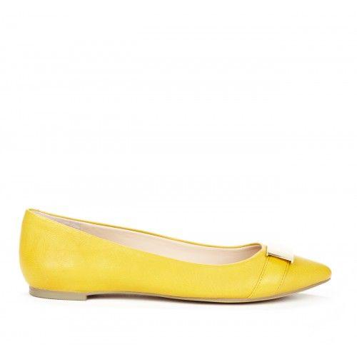 Deana closed toe flat - Honey Dijon