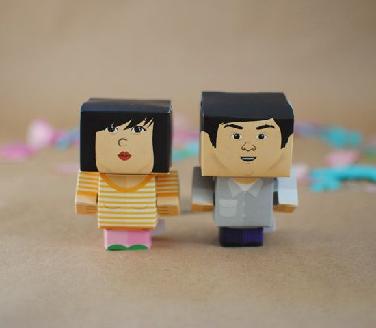 foldable portraits - would make for a quirky gift for that couple