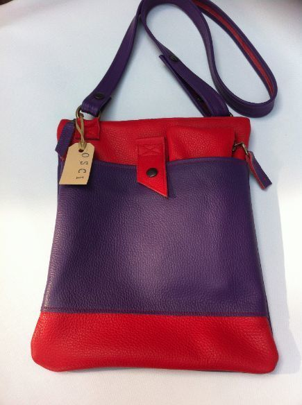 Cross- over tas  rood/paars leer