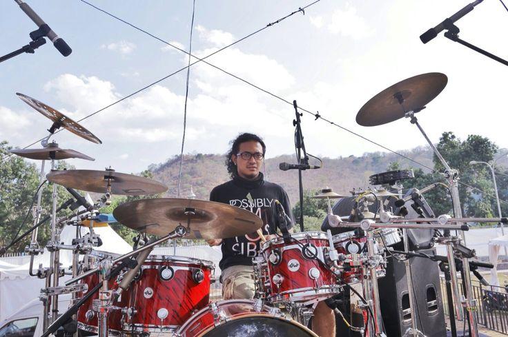 Konser in Bima. #YoseKristian #Drums #Drummer #Stage #DWDrums #CollectorSeries #LudwigSnare #BlackBeauty
