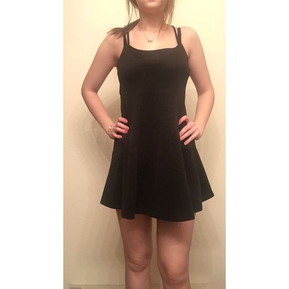 Perfect little black dress! 10% off bundles of 2 or more ✔️I only trade makeup for other makeup ❗️I consider all offers❗️ Item: worn twice, great condition. Skater style! Charlotte Russe Dresses