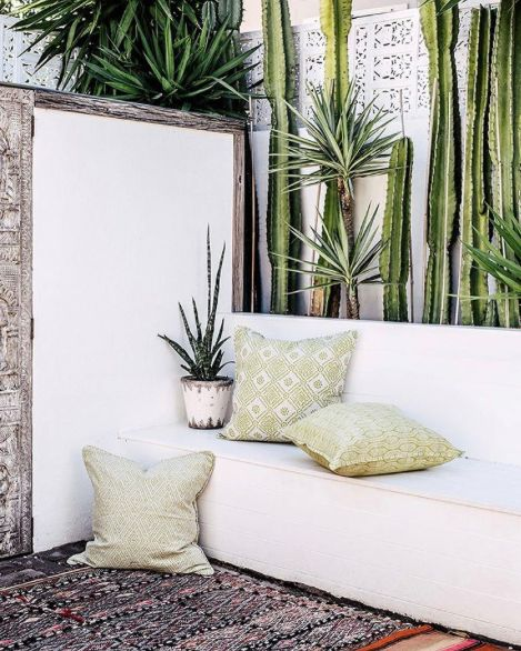 Textile Love #Outdoor custom made daybeds #Beachwood timber and fabric choices #Walter G scatter cushions