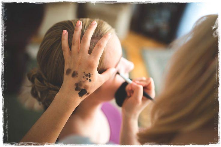 Aprenda Como Fazer Uma Maquiagem Para Casamento Perfeita e Torne-se Uma Maquiadora Profissional Reconhecida e Realizada em Apenas 5 Semanas