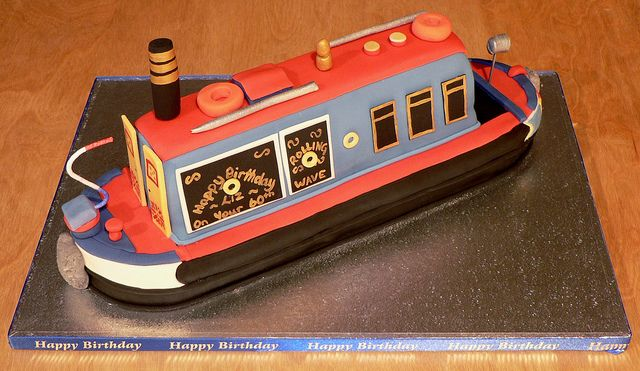 A Narrow Boat Birthday Cake by jackyscakes@btinternet.com, via Flickr