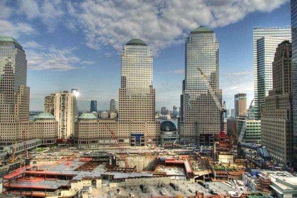 De werkzaamheden op Ground Zero zijn in volle gang.