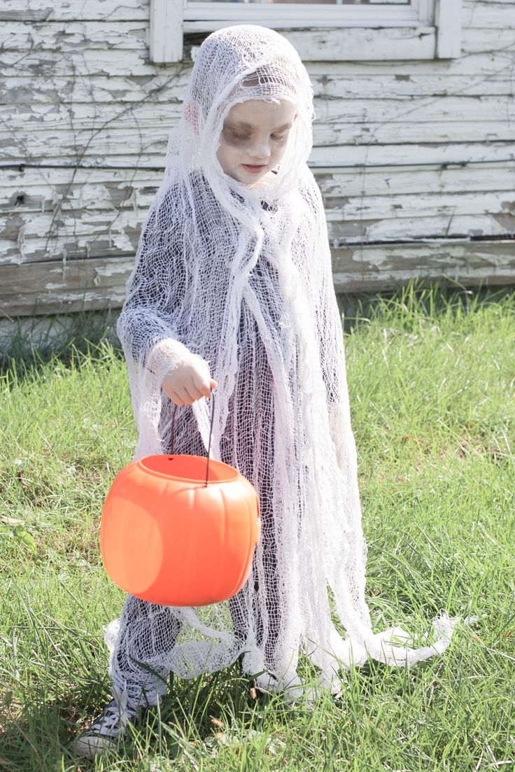EASY DIY SCARY GHOST COSTUME Ghost halloween costume