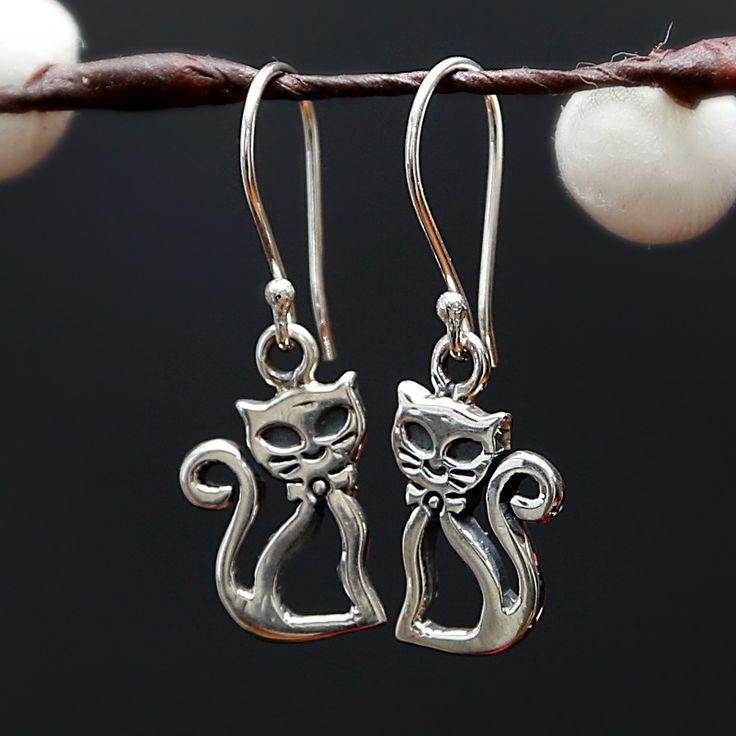 Leuke en schattige katten zilveren oorbellen  http://www.dczilverjuwelier.nl/zilveren_oorbellen