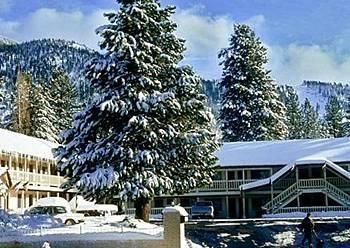 Vagabond Inn Lake Tahoe - is located in South Lake Tahoe's South Lake Tahoe neighborhood, close to Heavenly Ski Resort. Additional area points of interest include Zephyr Cove Beach. Property Features. Recreational amenities include a spa tub. Wireless Internet access is available in public areas. The motel serves a complimentary breakfast. READ MORE - http://www.travelpackagediscount.com/vagabond-inn-lake-tahoe/#