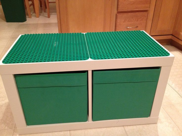 Ikea Expedit zwei Würfel, Ikea Vorratsbehälter, zwei Duplo-Unterseiten und zwei
