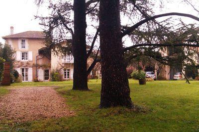 Propriété avec Piscine des Chambres d'hôtes à vendre à Quincieux en Rhône